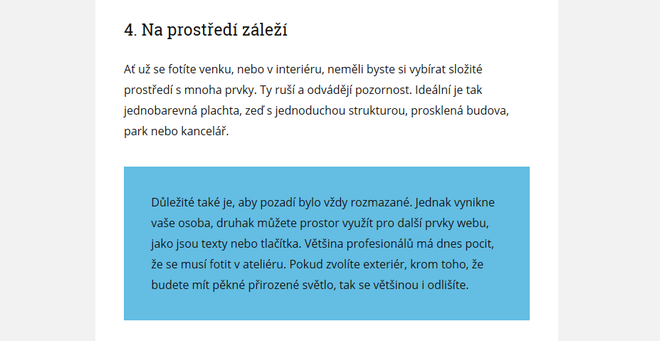 text na barevnem pozadi blogu